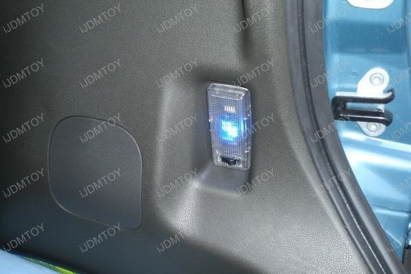 Nissan - Cube - LED - Interior6